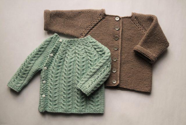Strikkede babytrøjer